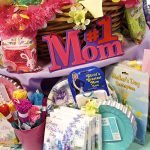 7 Ways to Surprise Your Mother on Mother's Day 2021